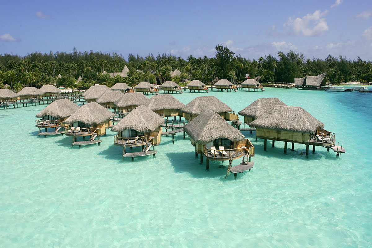 St. Regis Bora Bora Resort Offers $250,000 Wedding Package on Charity Auction