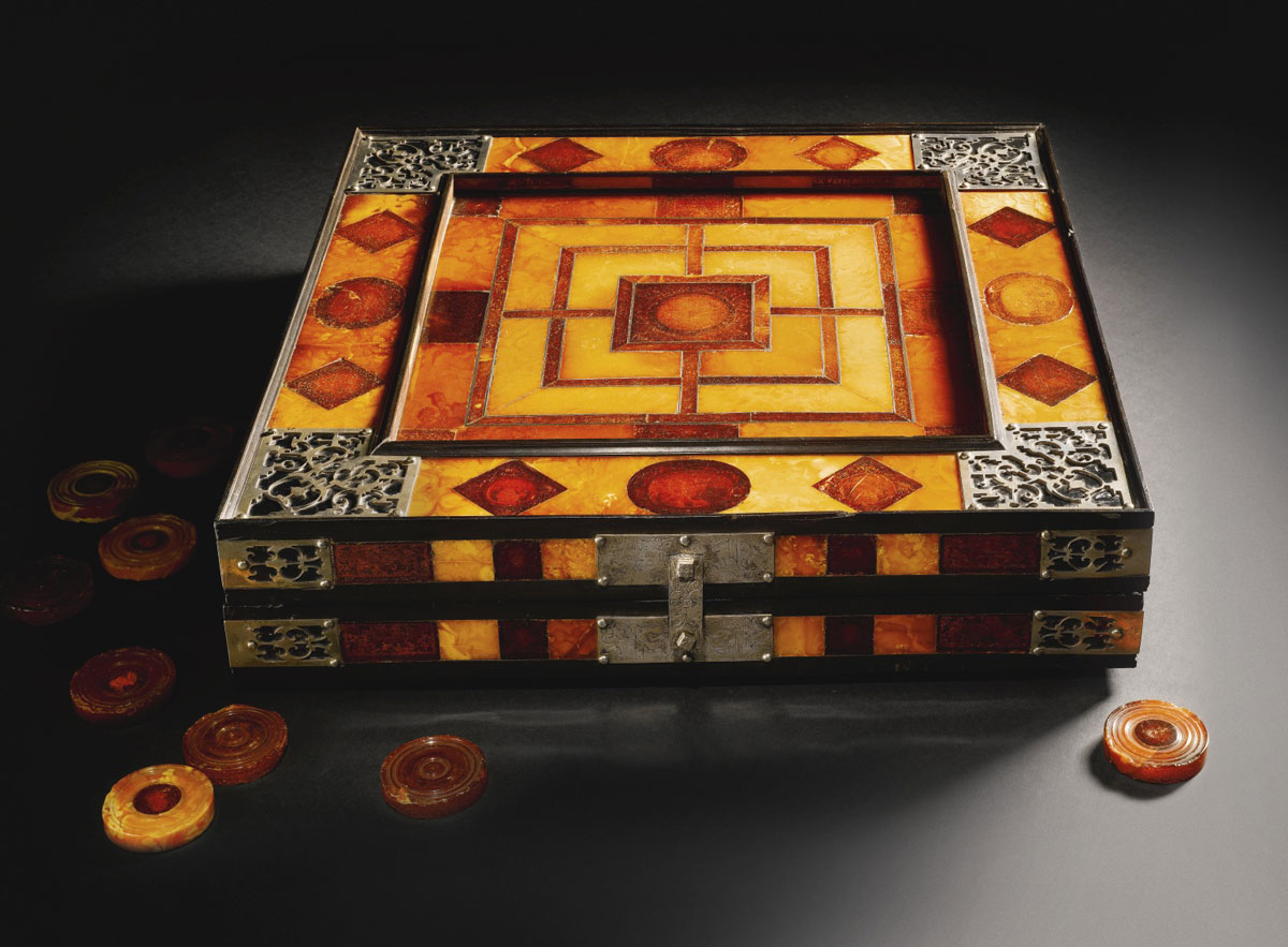 17th-century Royal Amber Games Board to be Auctioned at Sotheby&#8217;s