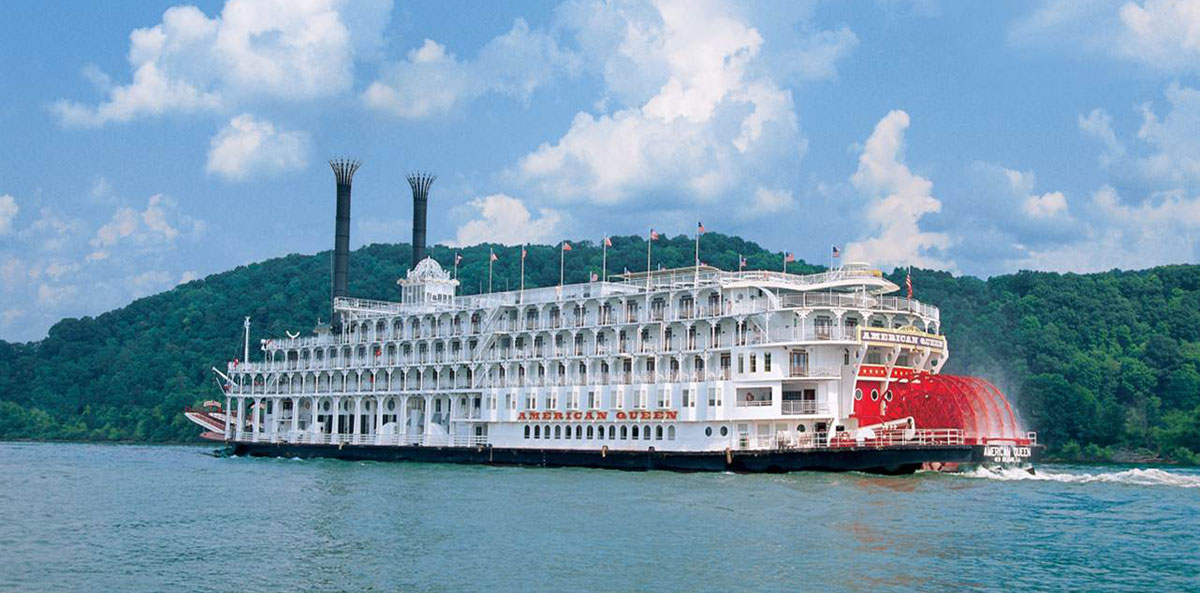 American Queen Steamboat Rollin On The River Mississippi