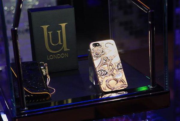 London Lotus iPhone 5 case, with the price of $302,985, is the priciest on the market
