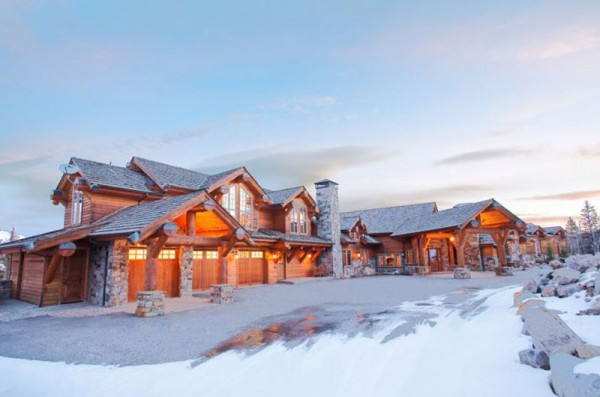 This 15,550 sq. ft timber mansion in popular ski destination Big Sky, Montana, offering breathtaking mountain views and direct access to over 8,000 skiable acres, has been listed for whopping $28 million.