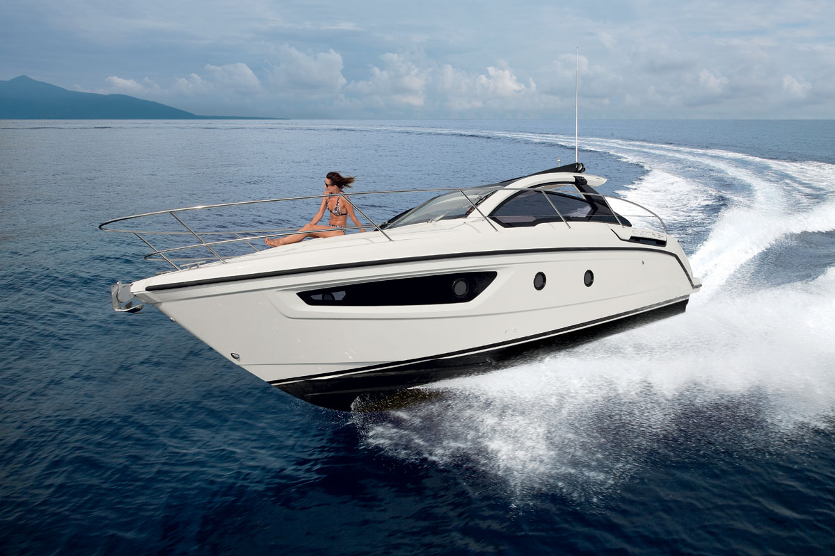 Atlantis 34 The First Model Under 10 Meters By The Azimut