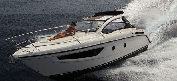 Atlantis 34, the First Model Under 10 Meters by the Azimut Benetti Group