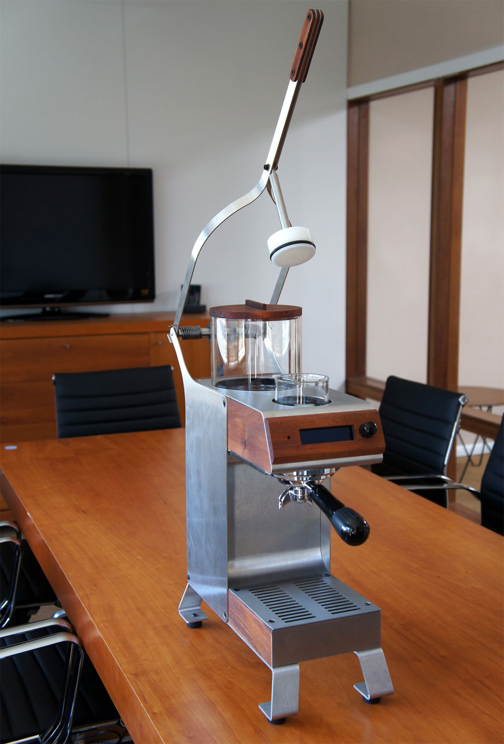 World s Most Expensive Coffee Maker - Blossom One Limited - eXtravaganzi