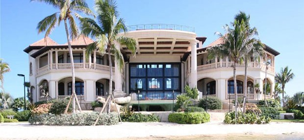 Castillo-Calibre---Luxury-Beachfront-Mansion