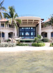 Castillo Calibre - Luxury Beachfront Mansion