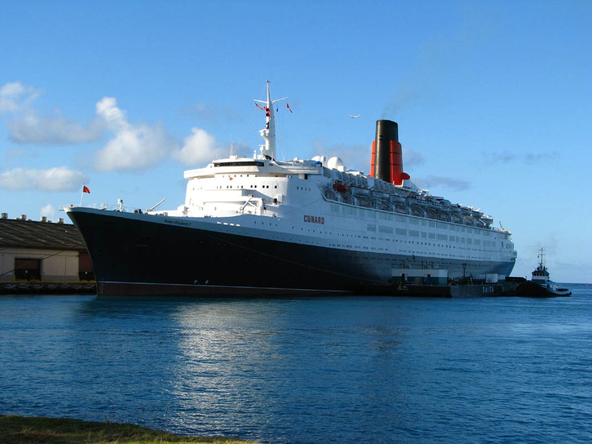 Legendary QE2 Ocean Liner Goes Into Scrap Iron to Chines for $32 Million