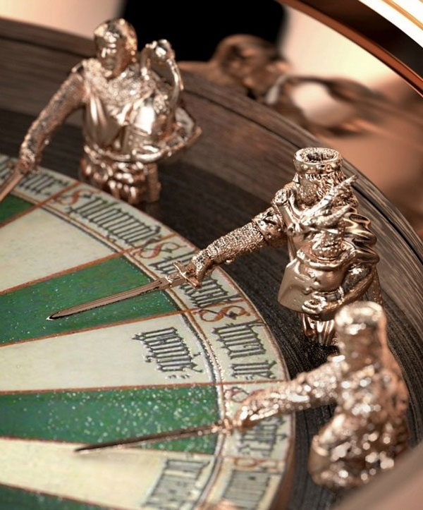 In 2013 Roger Dubuis will present the Excalibur Table Ronde, a limited series of 88 watches featuring 12 knights and their swords carved in gold and forming the hour markers around the enamelled dial.
