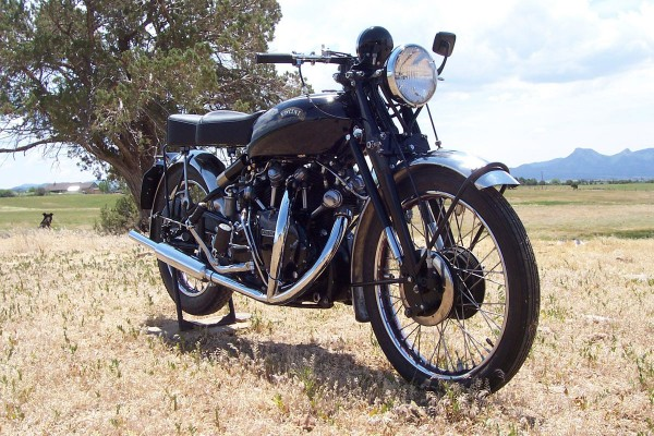 1952 Vincent 998cc Black Shadow