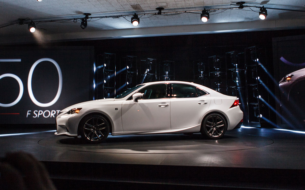 2014 lexus is 350 f sport in detroit motor show extravaganzi. Black Bedroom Furniture Sets. Home Design Ideas
