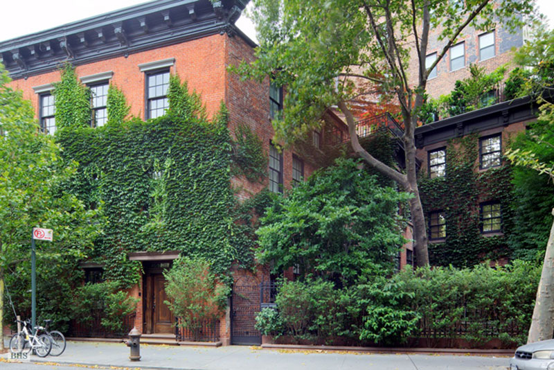 Annie leibovitz 39 s manhattan house on sale for 33 million for Townhomes for sale in nyc