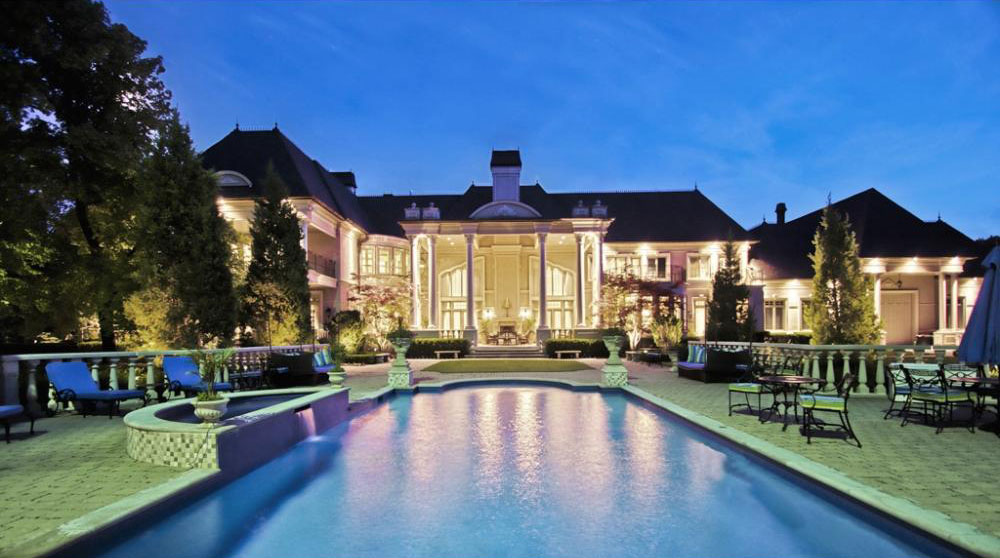 Unparalleled Prime Estate in Mississauga, Ontario