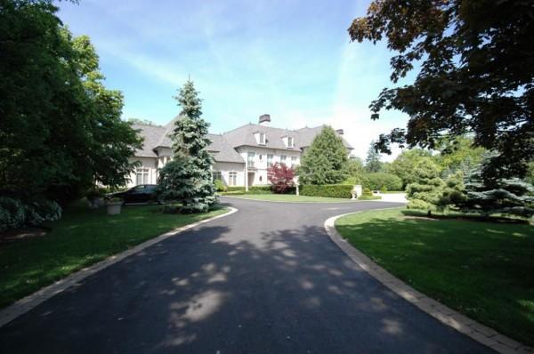 Unparalleled Prime Estate in Mississauga, Ontario