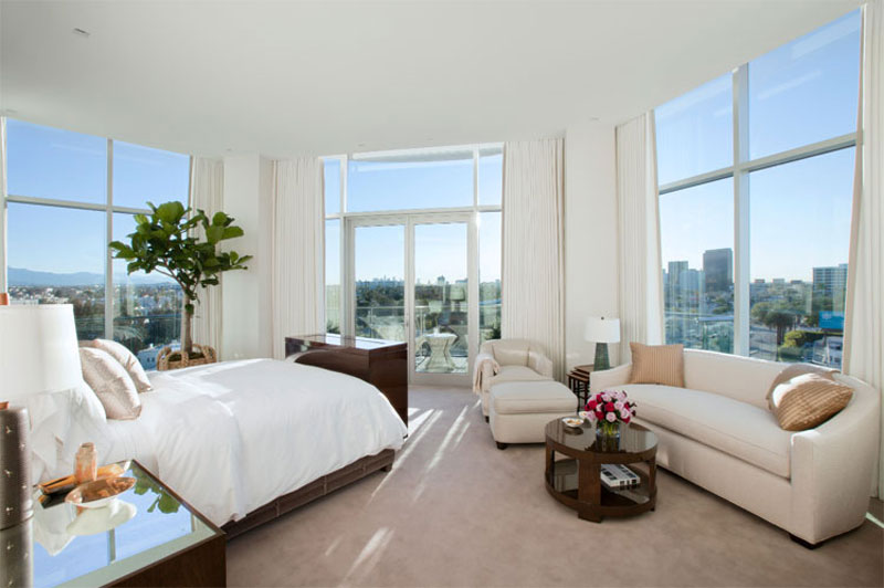 Most expensive rental unit in los angeles 40 000 per for Month to month rental los angeles