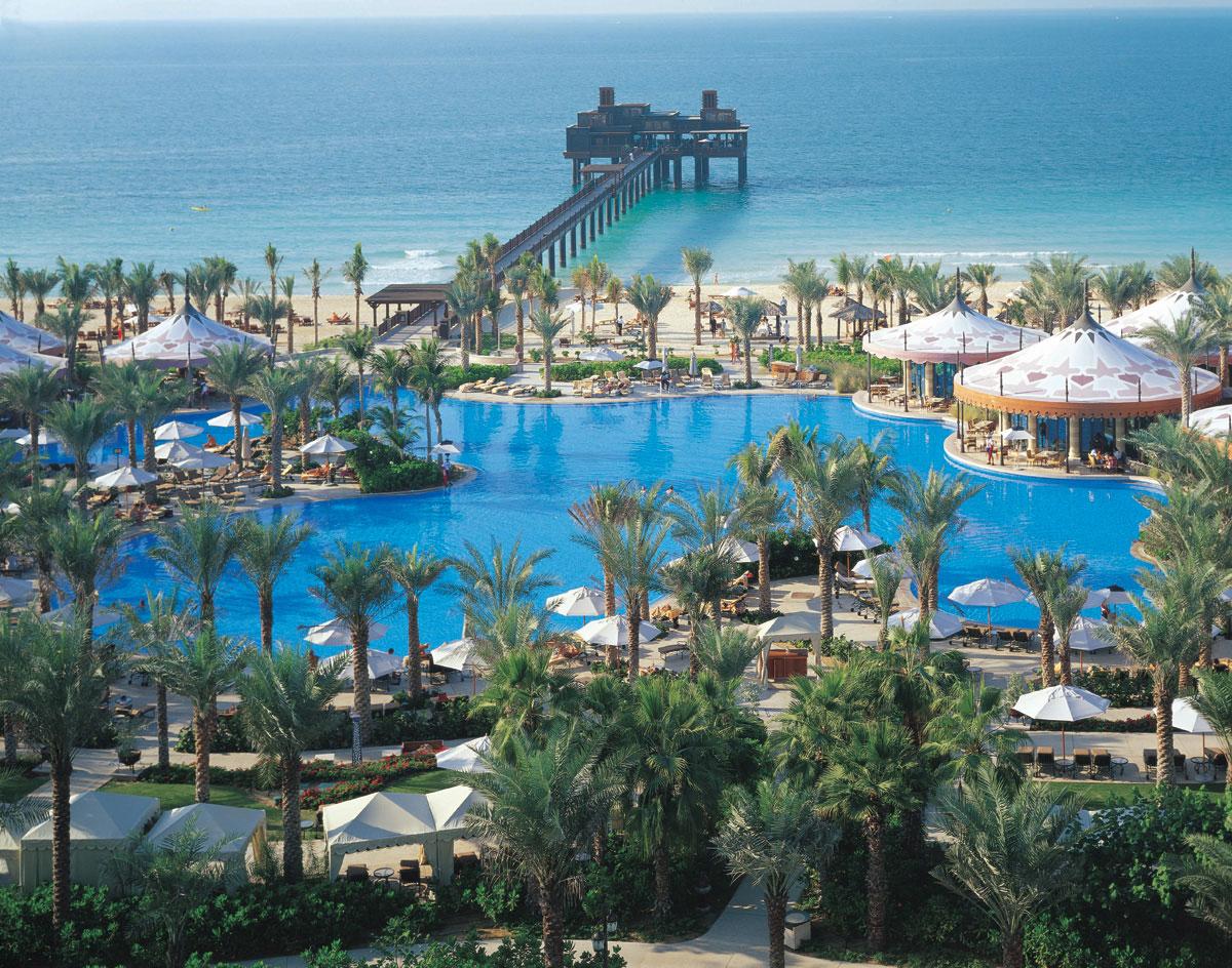 Al qasr hotel madinat jumeirah luxury 5 star hotel in for Dubai resorts