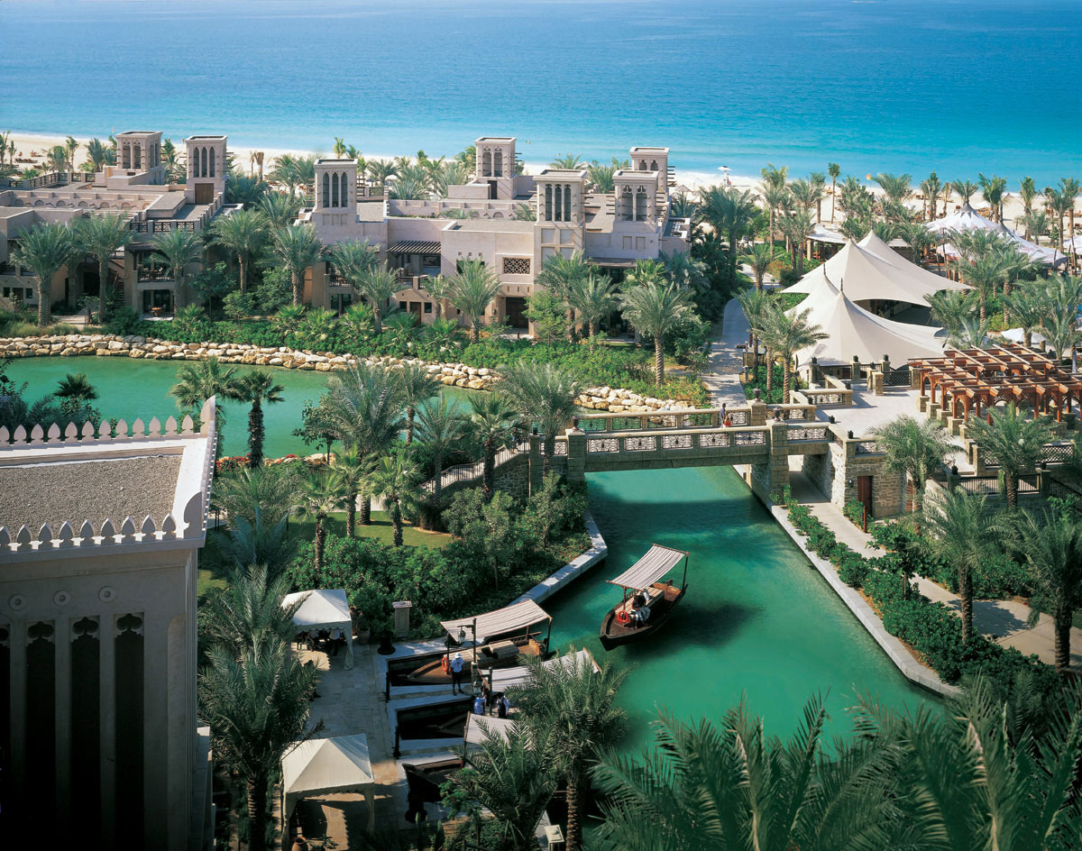 Al qasr hotel madinat jumeirah luxury 5 star hotel in for 5 hotels in dubai