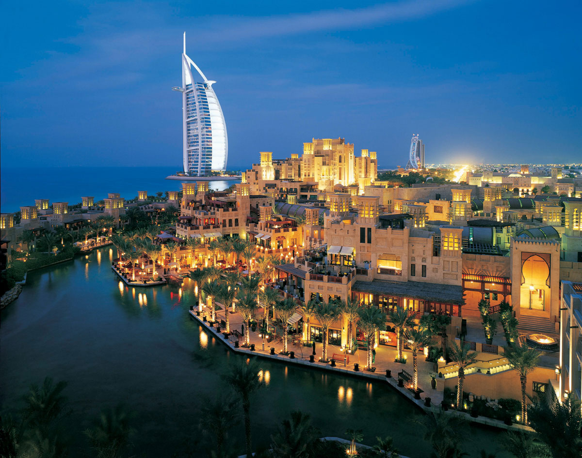 Al qasr hotel madinat jumeirah luxury 5 star hotel in for The top hotels in dubai