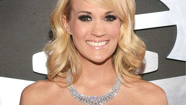 Carrie Underwood with $31 Million Necklace Gleamed at Grammy's 2013
