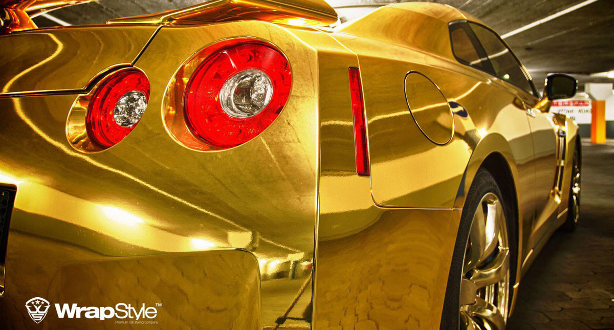 Golden Nissan GT-R by WrapStyle