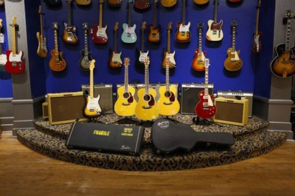 Limited Edition Eric Clapton Crossroads Guitar Collection