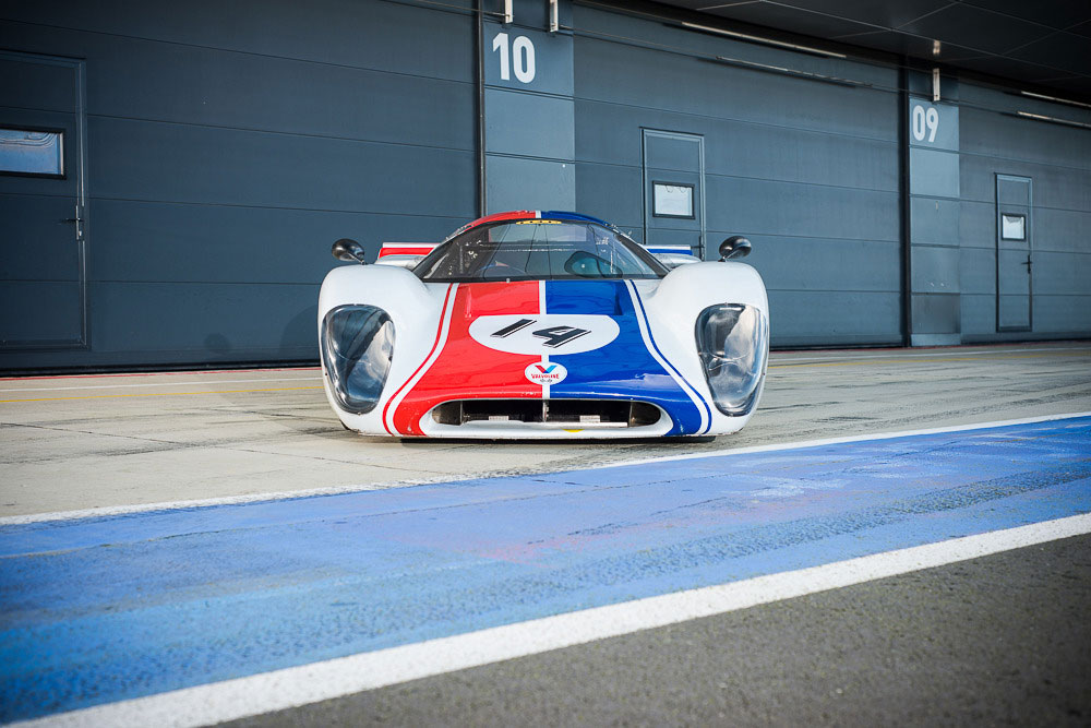 steve mcqueen 39 s 1969 lola t70 mkiii b offerd for around 1m at silverstone auction extravaganzi. Black Bedroom Furniture Sets. Home Design Ideas