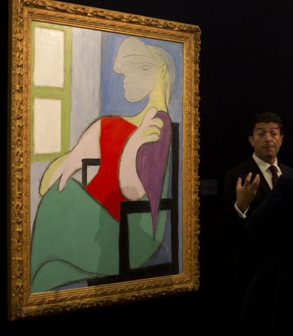 Pablo Picasso's Femme assise près d'une fenêtre