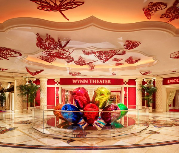 Wynn Las Vegas Unveils Tulips by Renowned Artist, Jeff Koons