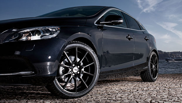 A Sporty and Elegant Wheel in Every Possible Sense  The AEZ Bridge Dark