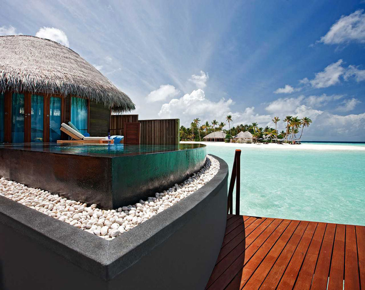 Feel the luxury at constance halaveli maldives resort for Luxury hotels all over the world