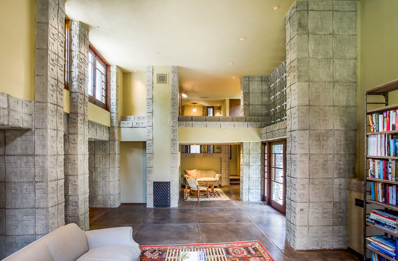 Frank Lloyd Wright 39 S La Miniatura House On Sale For