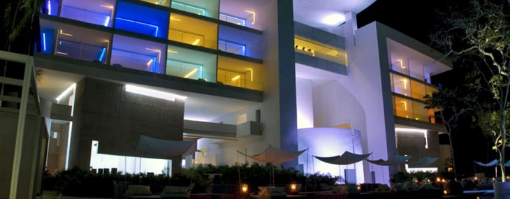 Hotel Encanto Acapulco – Paradise from the Future