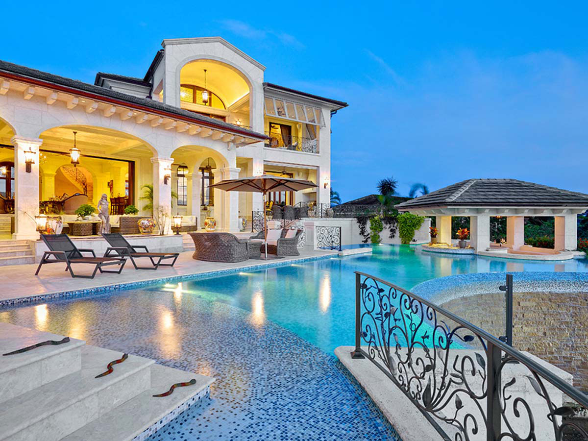 Leading luxury real estate offers a villa of caribbean for Luxury estate homes