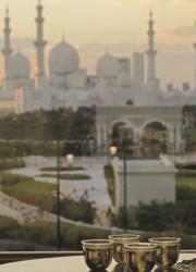 Ritz-Carlton Abu Dhabi, Grand Canal