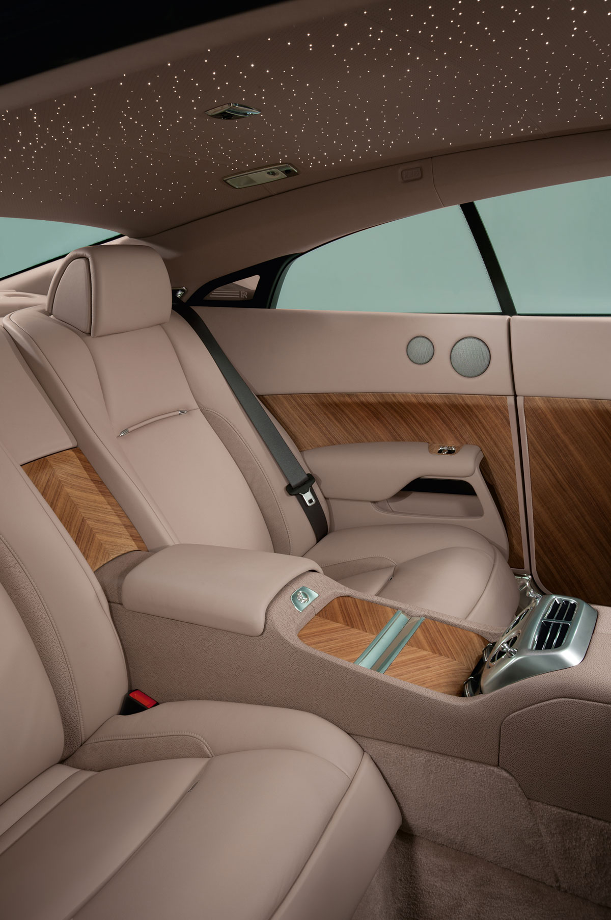 Rolls Royce Wraith Debuts At Geneva Extravaganzi