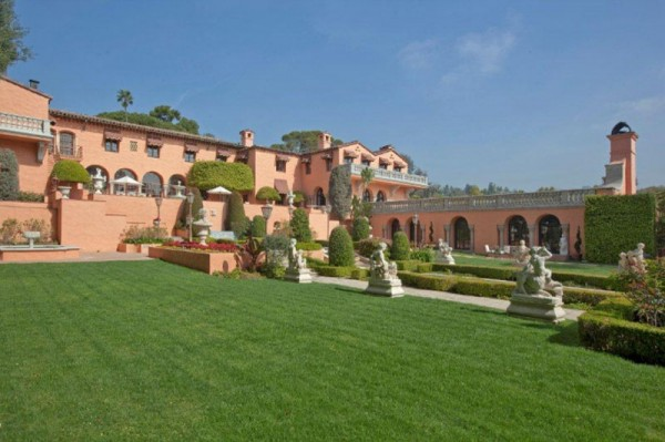 The Legendary Beverly House Estate