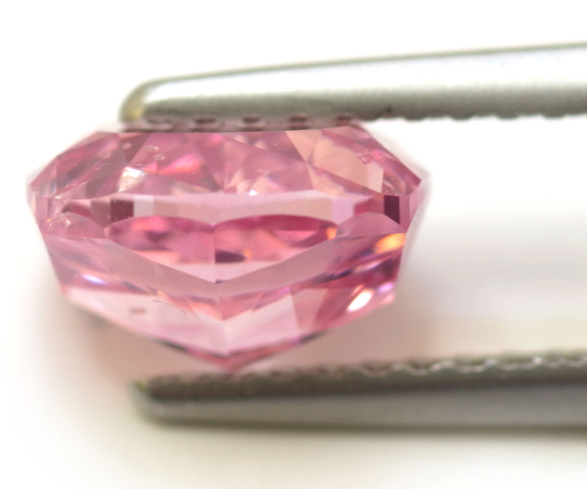 Rare Fancy-vivid Purplish Pink Diamond by Leibish & Co Premiere in Hong Kong