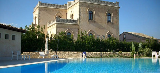 Experience Luxury Holiday in Castle-like Fortress in Sicily - Villa Villino Dorato
