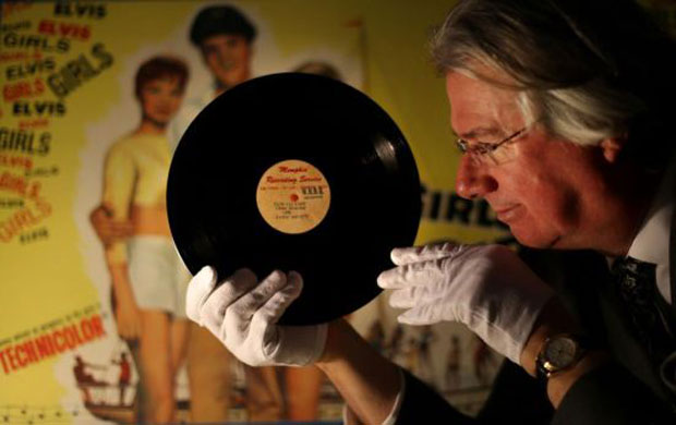 Elvis Presley's Original Vinyl Record of the 'That's All Right (Mama)' Goes Under the Hammer