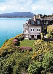 The Belvedere Island Home by Warren Callister