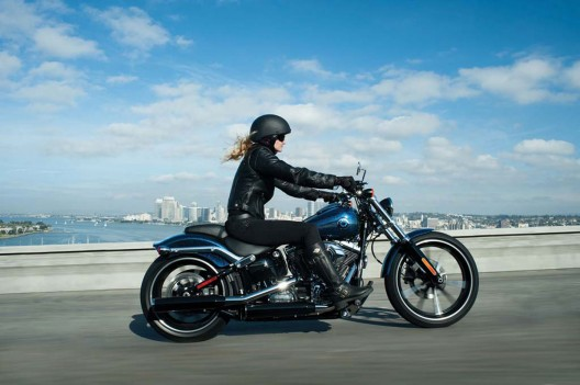 The 2013 Harley-Davidson Breakout motorcycle is an urban prowler, a bike ready for a midnight ramble to the roadhouse or a rib joint rendezvous with the crew.