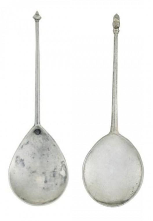 Acorn-Knop and Diamond-Point spoon