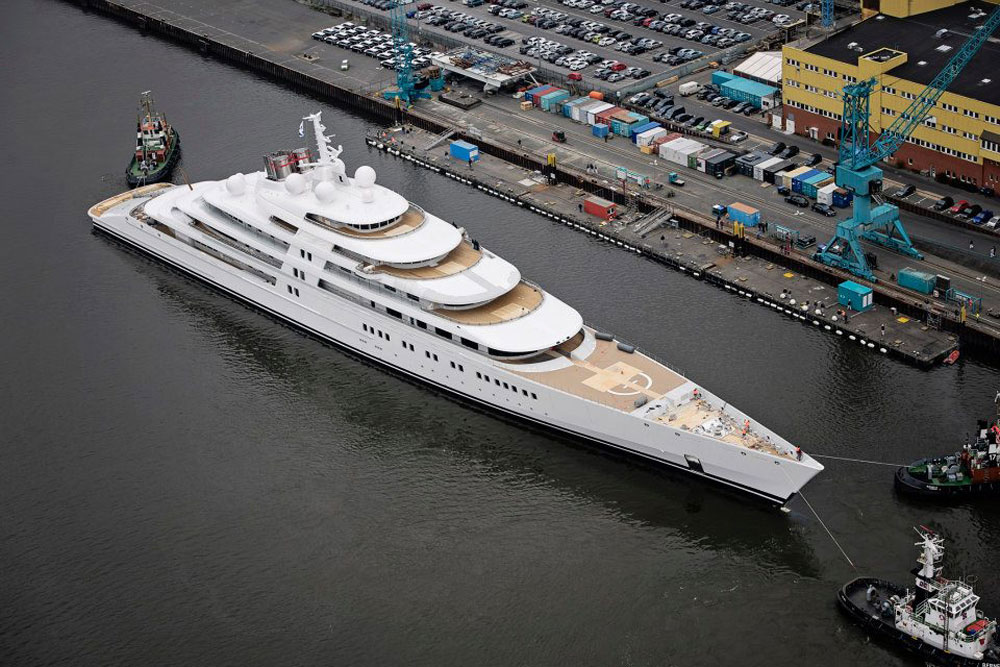Azzam world s largest yacht officialy launched in for Largest private boat