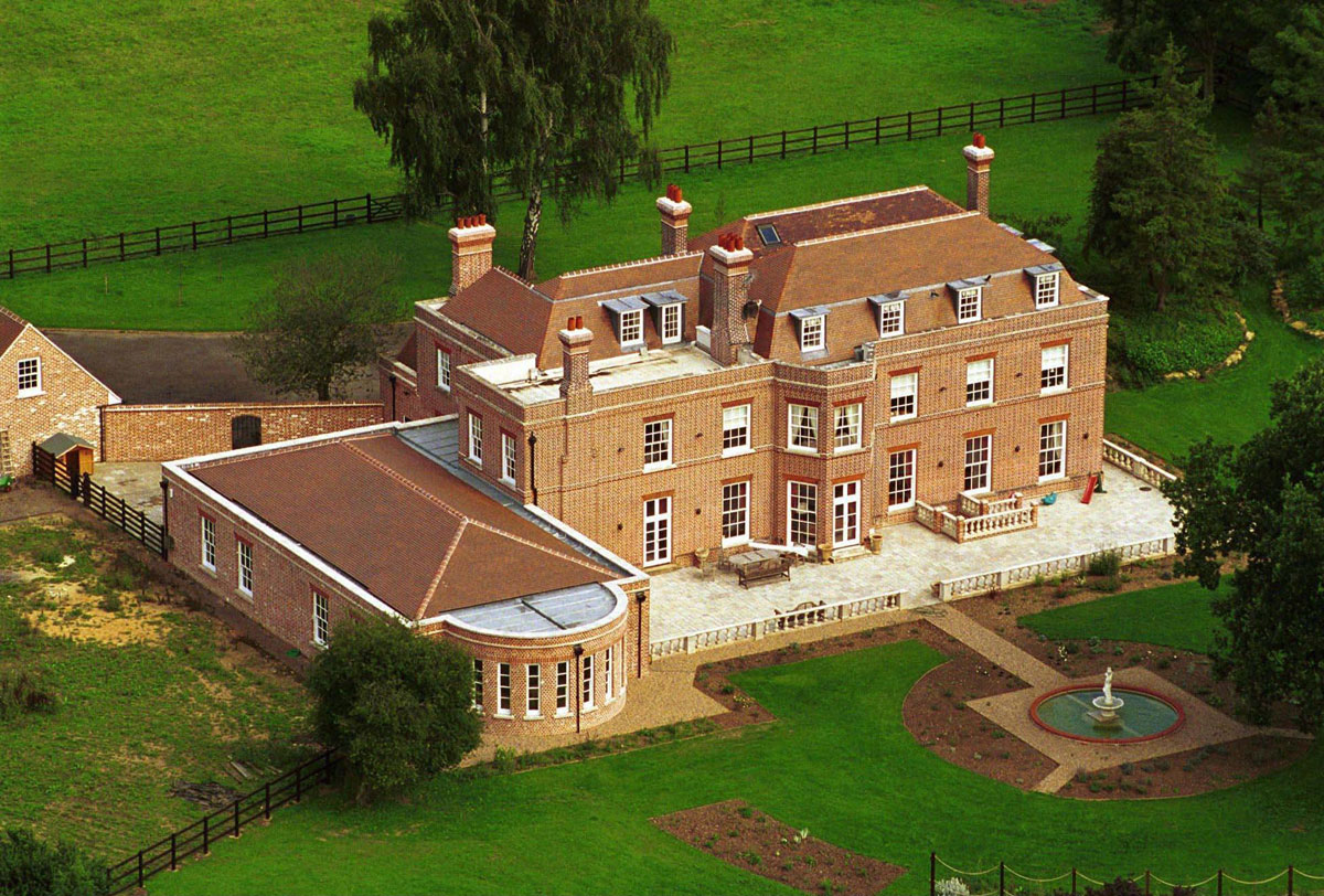 Beckham s beckingham palace on sale for 15 million for The victoria house