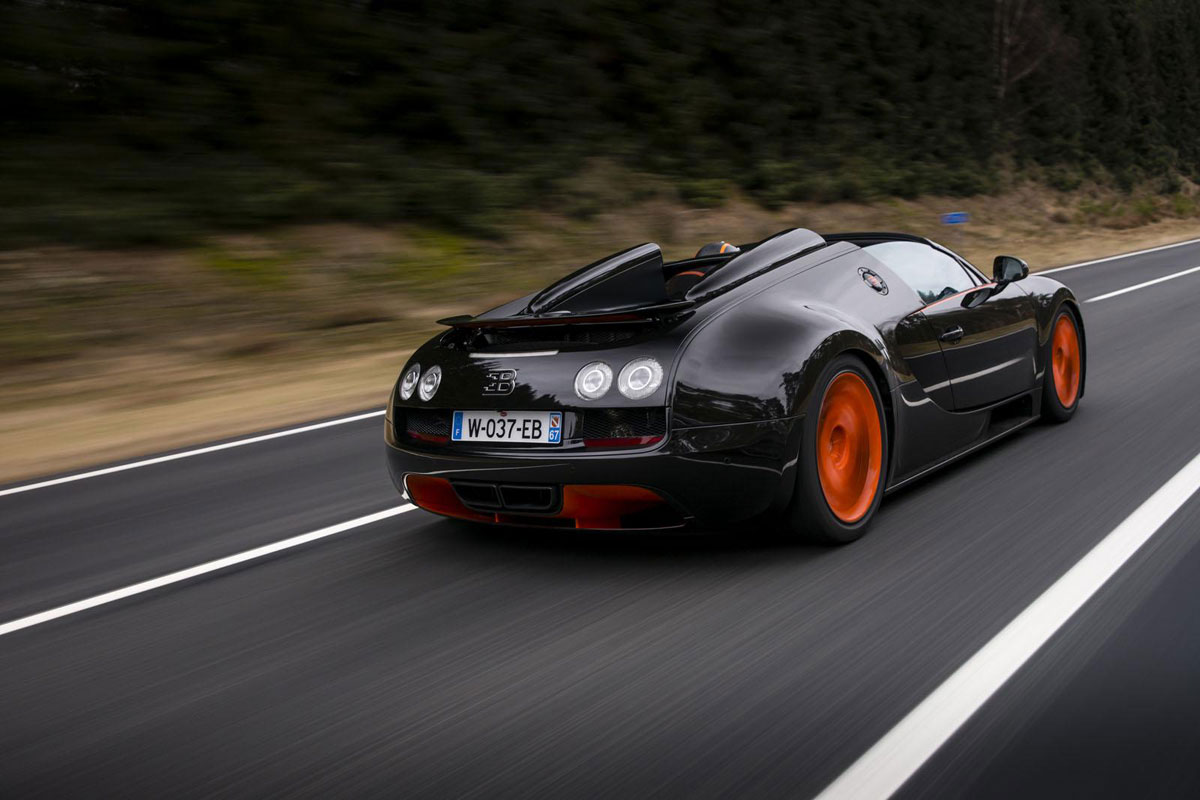bugatti veyron grand sport vitesse is the fastest convertible in the world. Black Bedroom Furniture Sets. Home Design Ideas
