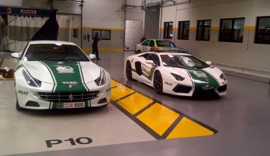 Dubai Police's  Ferrari FF and Lamborghini Aventador