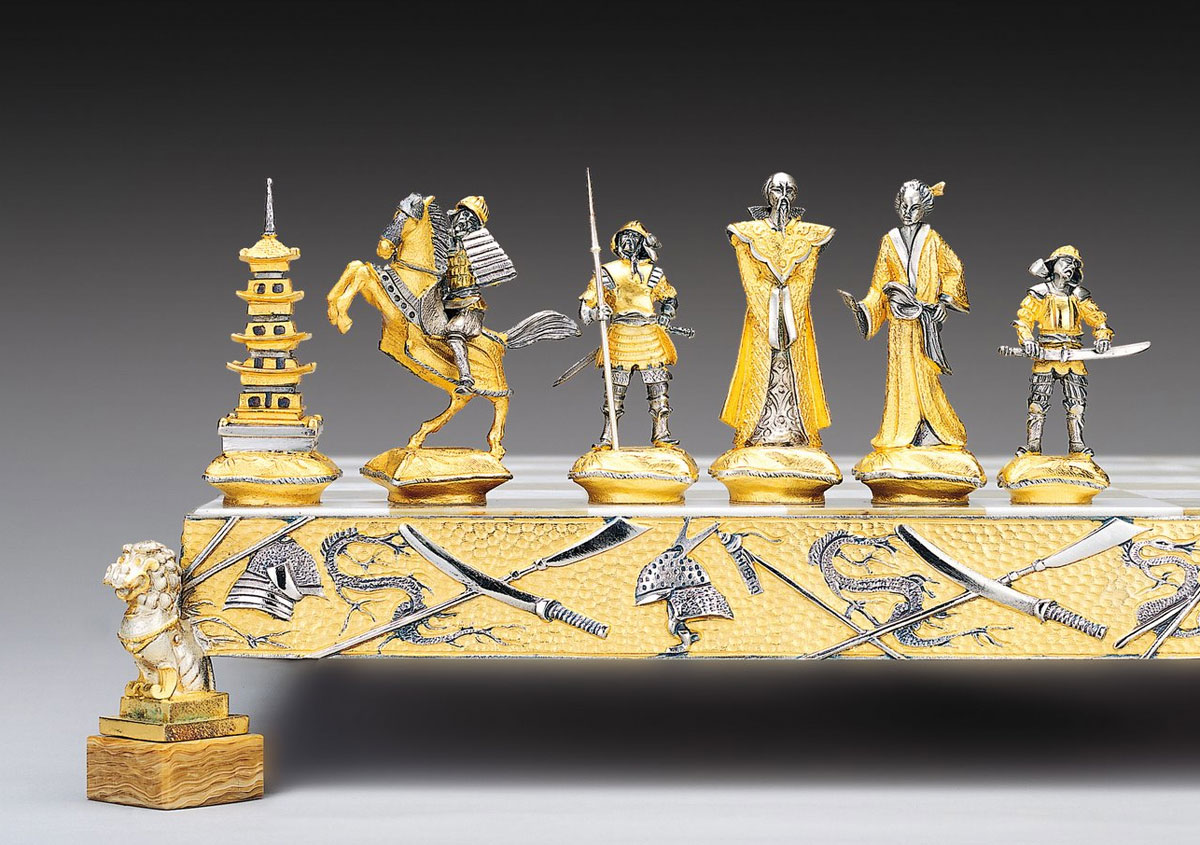 Chess Sets By Piero Benzoni In Gold And Silver Extravaganzi