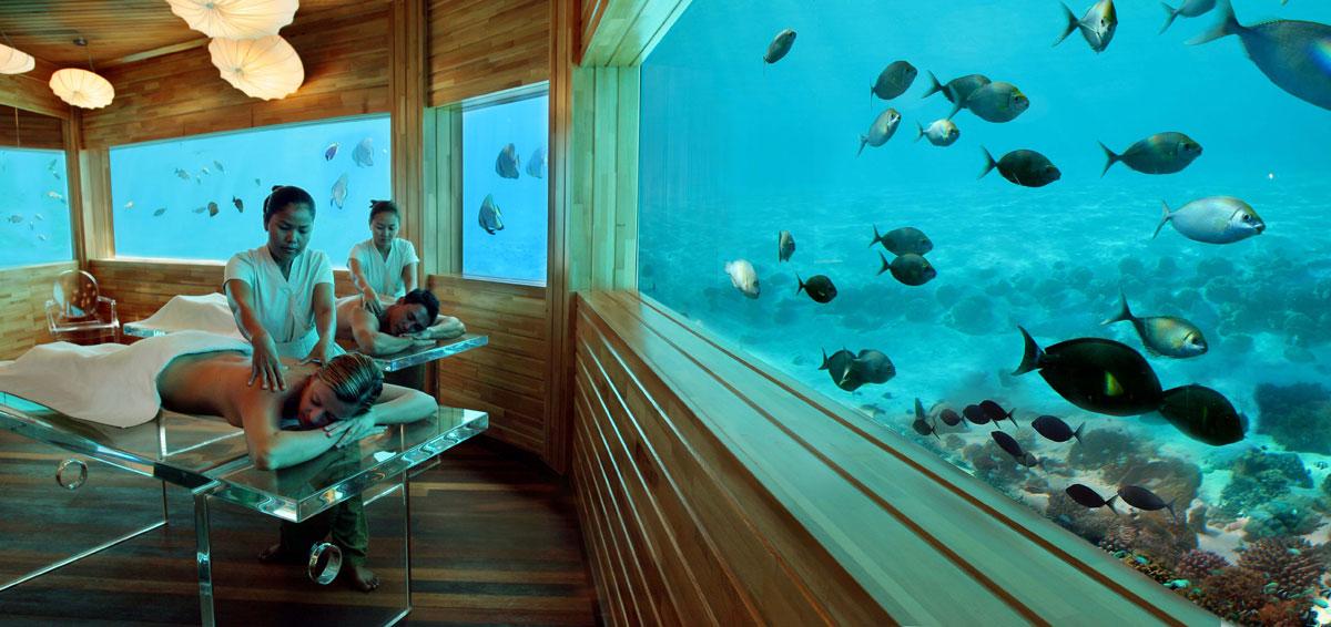 Huvafen fushi in maldives offer first underwater spa for Maldivas hotel bajo el agua