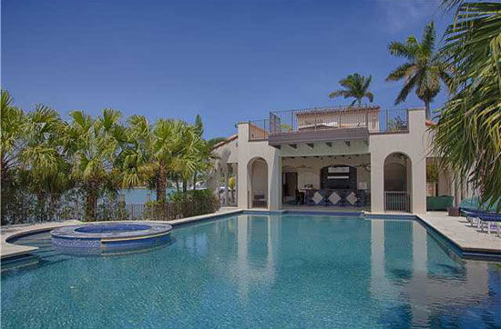 Matt damon 39 s miami beach home on sale for 20 million extravaganzi - Maison de millionnaire ...