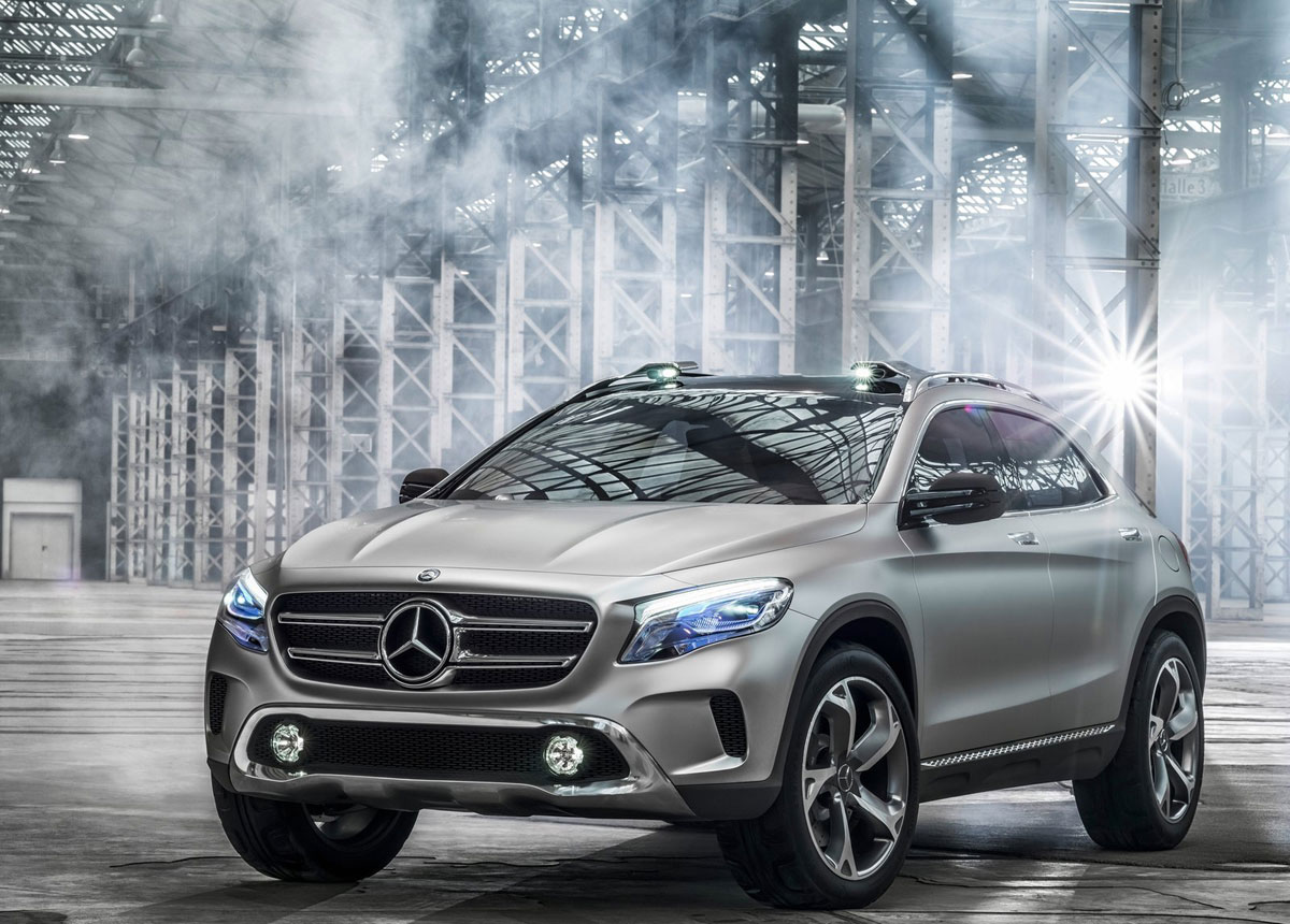 Mercedes benz gla compact suv extravaganzi for The latest mercedes benz