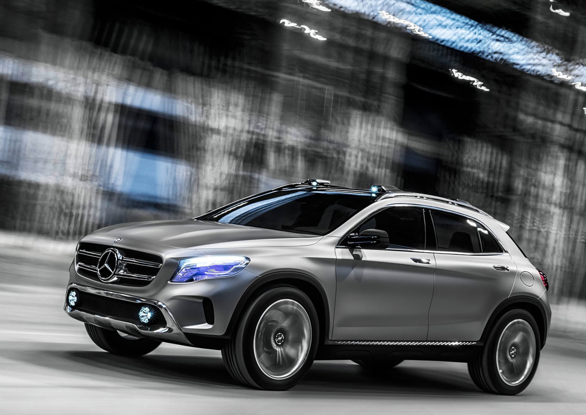 Mercedes benz gla compact suv extravaganzi for Small mercedes benz